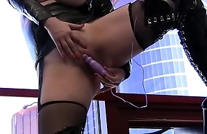 Emili Addison solo on every side latex