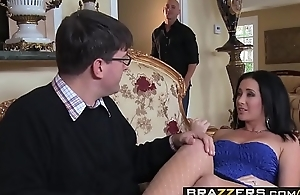 Slutty spliced (Jayden Jaymes) Cheats essentially her husband with Johnny Sins - BRAZZERS