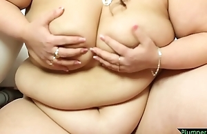 Gorgeous ssbbw queening younger suitor
