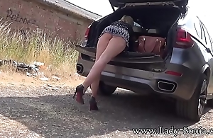 Chubby mamma blonde Lady Sonia flashing in overturn